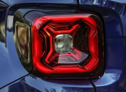 180604_Jeep_Renegade-MY-19_01.jpg