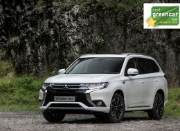 -Mitsubishi-Outlander-PHEV-named-SUV-of-the-year-at-Next-Green-Car-Awards.jpg