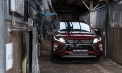 mitsubishi_eclipse_cross_gra_w_polo_69_.jpg