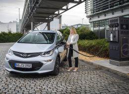 Opel-Ampera-e-304560.jpg