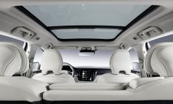 223527_new-volvo-v60-interior.jpg