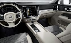 223531_new-volvo-v60-interior.jpg