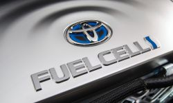 large_2016_Toyota_Fuel_Cell_Vehicle_016.jpg
