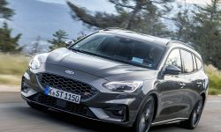 FORD_2019_FOCUS_ST_Wagon_Magnetic_11.jpg