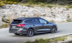 FORD_2019_FOCUS_ST_Wagon_Magnetic_25.jpg