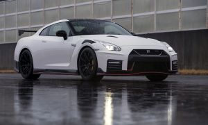 190321_MY20_GT_R_NISMO_MC_Newsroom1-source.jpg