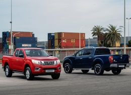 Nissan Navara - King Cab Red and Double Cab Blue-source.jpg