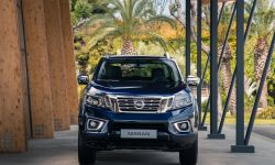 Nissan Navara Double Cab Blue Front-source.jpg