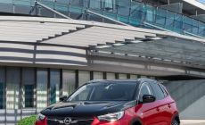 Opel-Grandland-X-Hybrid4-506693.jpg