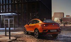 Trzy nowe modele hybrydowe poszerzają gamę Renault E-Tech