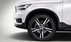 227631_new_volvo_xc40_t5_plug-in_hybrid.jpg