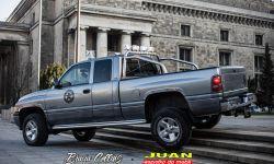 Samochód Chucka Norrisa z serialu Strażnik Teksasu od braci Collins dla WOŚP