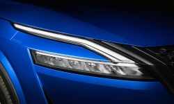 All-New Nissan Qashqai - Exterior 6 Front signature light.jpg