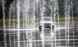 Rusza kolejny sezon szkoleń z bezpiecznej jazdy Mercedes-Benz Safety Experience