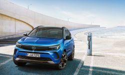Nowy Opel Grandland - efektywne zespoły napędowe z hybrydą plug-in